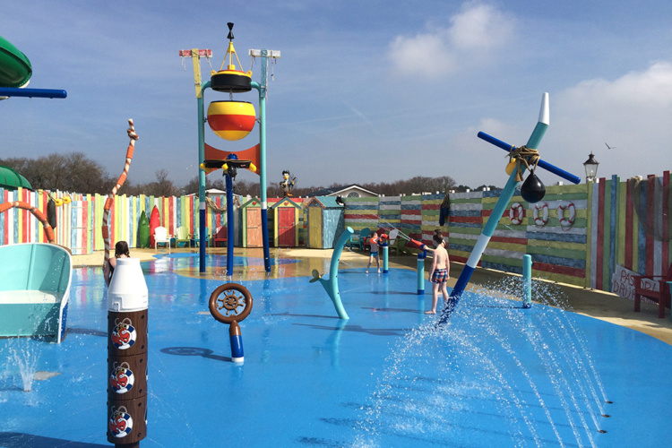 Upper Play, zone aire de jeux aquatique Waterplay